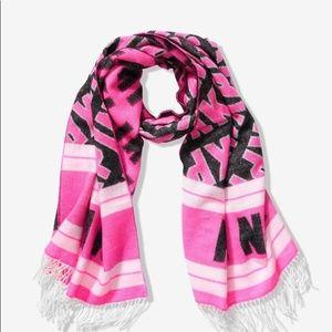 NIP  VS PINK Blanket Scarf